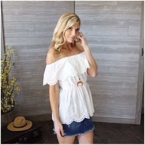 Infinity Raine Tops - ✨LAST ONE✨White eyelet off Shoulder Top
